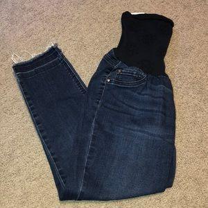 Dark wash maternity skinny jean size large